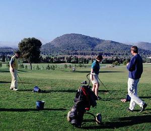 Jugar al golf en Calviá - Mallorca. Club de Golf de Poniente, Campo de Golf en Calviá - Mallorca